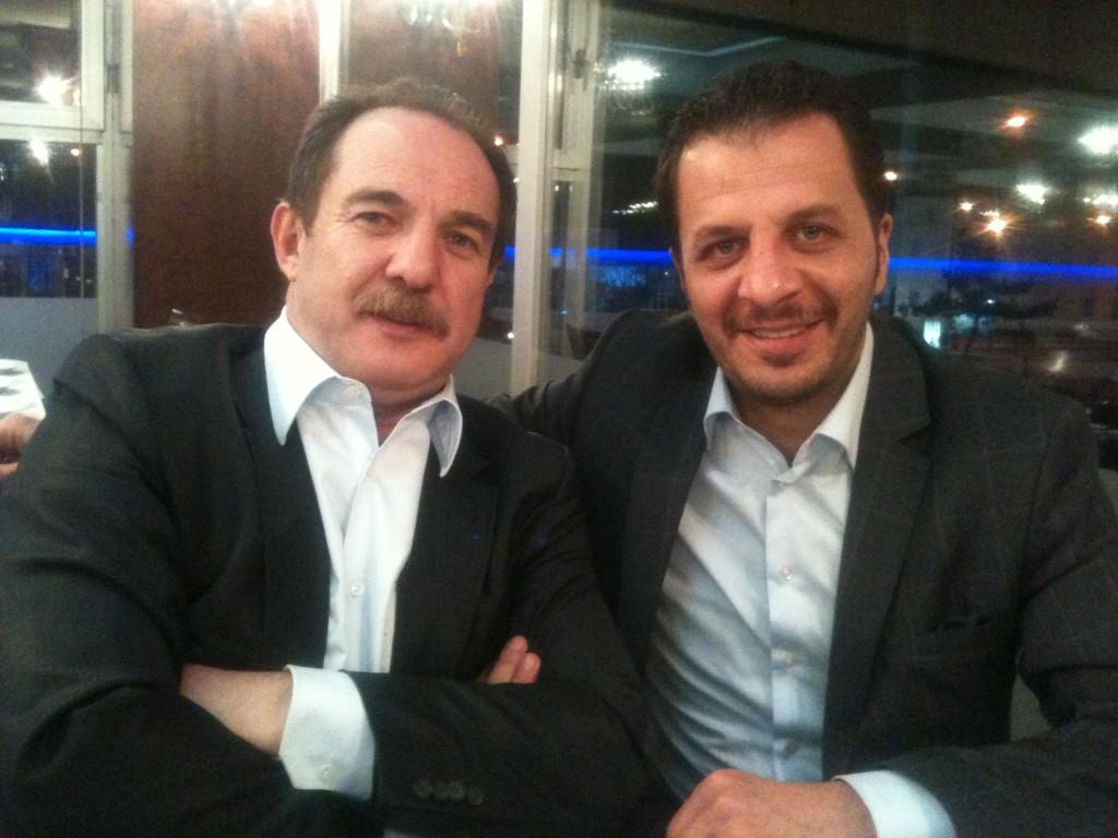 Doğu Bölgesi gazetesi Pusula'nın sahibi Ahmet Metin Karadayı ile Erzurum'da http://t.co/kLVkH4sT