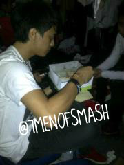 #Photo : Mamang lagi makan gabagi2 nihya ;) ?? http://t.co/GiUr7saO