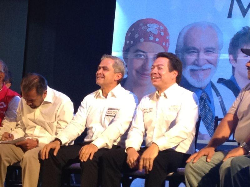 RT @mario_delgado1: Les comparto una foto desde mi celular. Estoy con @ManceraMiguelMX http://t.co/pf611WVE