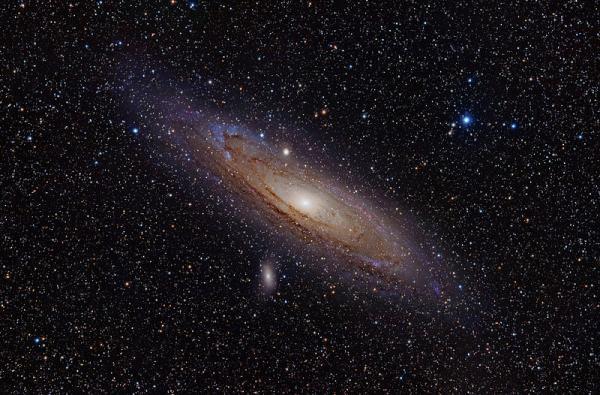 67. 안드로메다 은하의 위성은하 중 가장 밝은 것은 M110으로 8등급 정도입니다. 메시에 목록에서 가장 마지막 번호를 가지고 있습니다. 안드로메다 은하 근처에 계속 보이는 작고 밝은 점이 메시에110이겠죠. http://t.co/nCEehAMe