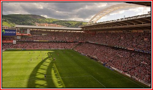 Media hora para el partido q pueds vivir n l mjor stadio #sanmames  con l mejor aficion y l MEJOR EQUIPO @AthleticClub http://t.co/TUmg25Sv