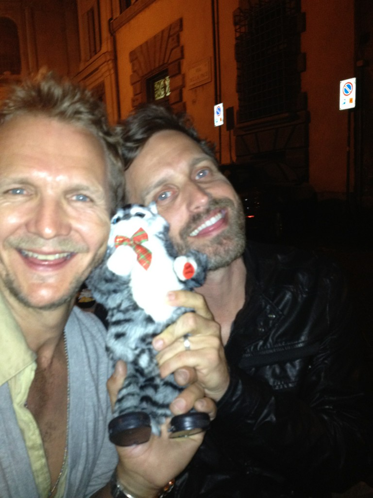 RT @sebroche: We love this pussy, he's so cute :) http://t.co/jgt9D9wZ