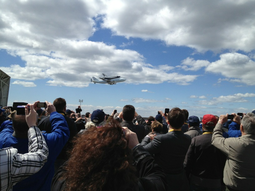 RT @NASA: Crowds across #NYC are excited for #SpottheShuttle #Enterprise flying over #NYC -- Viaᅠ@IntrepidMuseum:ᅠhttp://t.co/JSZPIbGZ #OV101