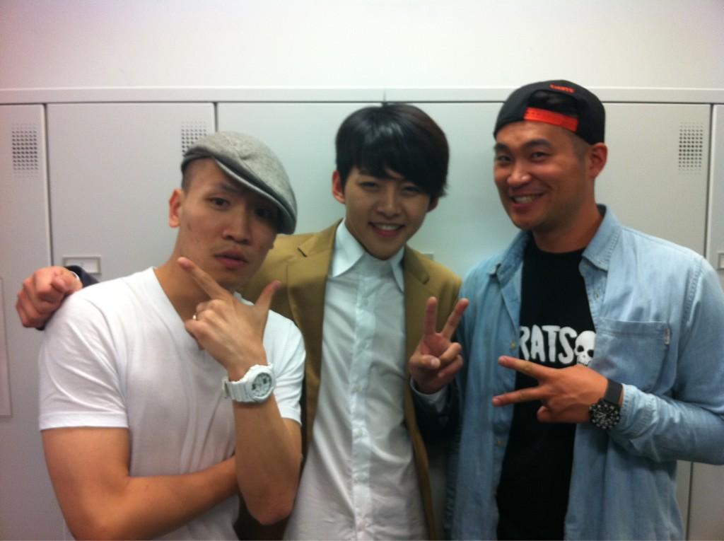 ?????????!!??? '@gaekogeem: @Dongho94 ??? ?? ????!!!!!!?? http://t.co/CZBDB7V8'
