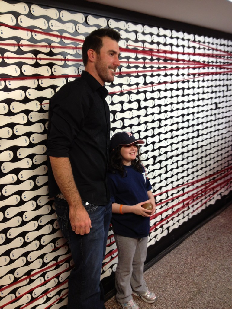 RT @KyleOKC: @JustinVerlander made a dream come true for a very special girl in the @MLBFanCave today! #MLBFC #Tigers http://t.co/Pdo7VE09