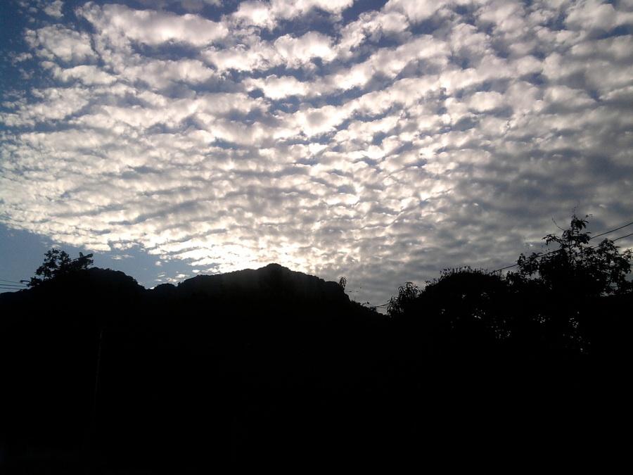 Cirros sobre el chalchi el cerro precioso para usted mi paloma brava @ChavelaVargas hasta pronto http://t.co/0EHchxtu