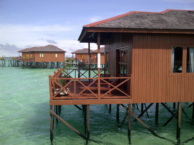 Resort in Maratua island,KALTIM #hiddenparadise http://t.co/En5v0x08