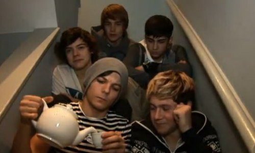 RT if you miss those times. Bring Back The Stairs Video Diaries. http://t.co/9ZvdzUXe