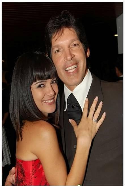 ¡Divorcio! Solo 10 meses de casados tuvieron los artistas venezolanos, Daniela Navarro y Carlos Arreaza. http://t.co/f4i0M9tZ