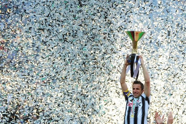 RT @Minarzouki: Del Piero and the trophy. Priceless. http://t.co/xINCvh1b