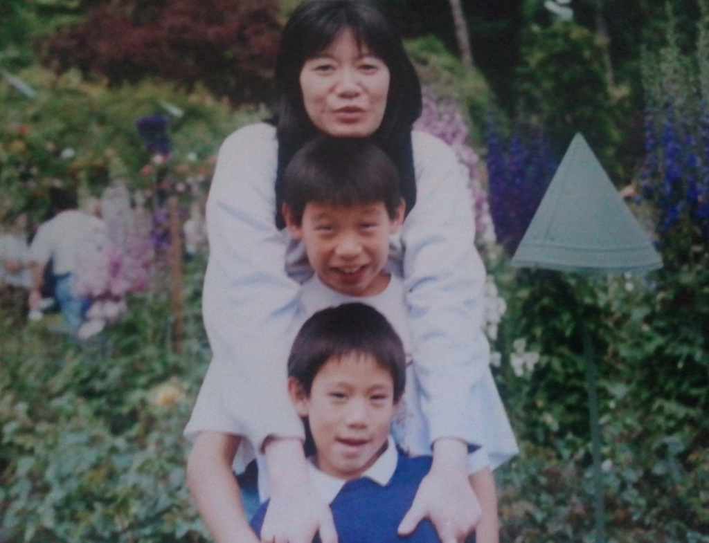 Happy Mothers Day! For those of you who asked for a photo. me, my lil bro and my mom... http://t.co/S7gcIwLF