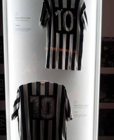 قميص الملك ' ديل بييرو ' في المتحف http://t.co/OAnKHOzJ