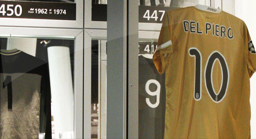 *قميص الملك ' ديل بييرو ' في المتحف http://t.co/1h75Uqhp