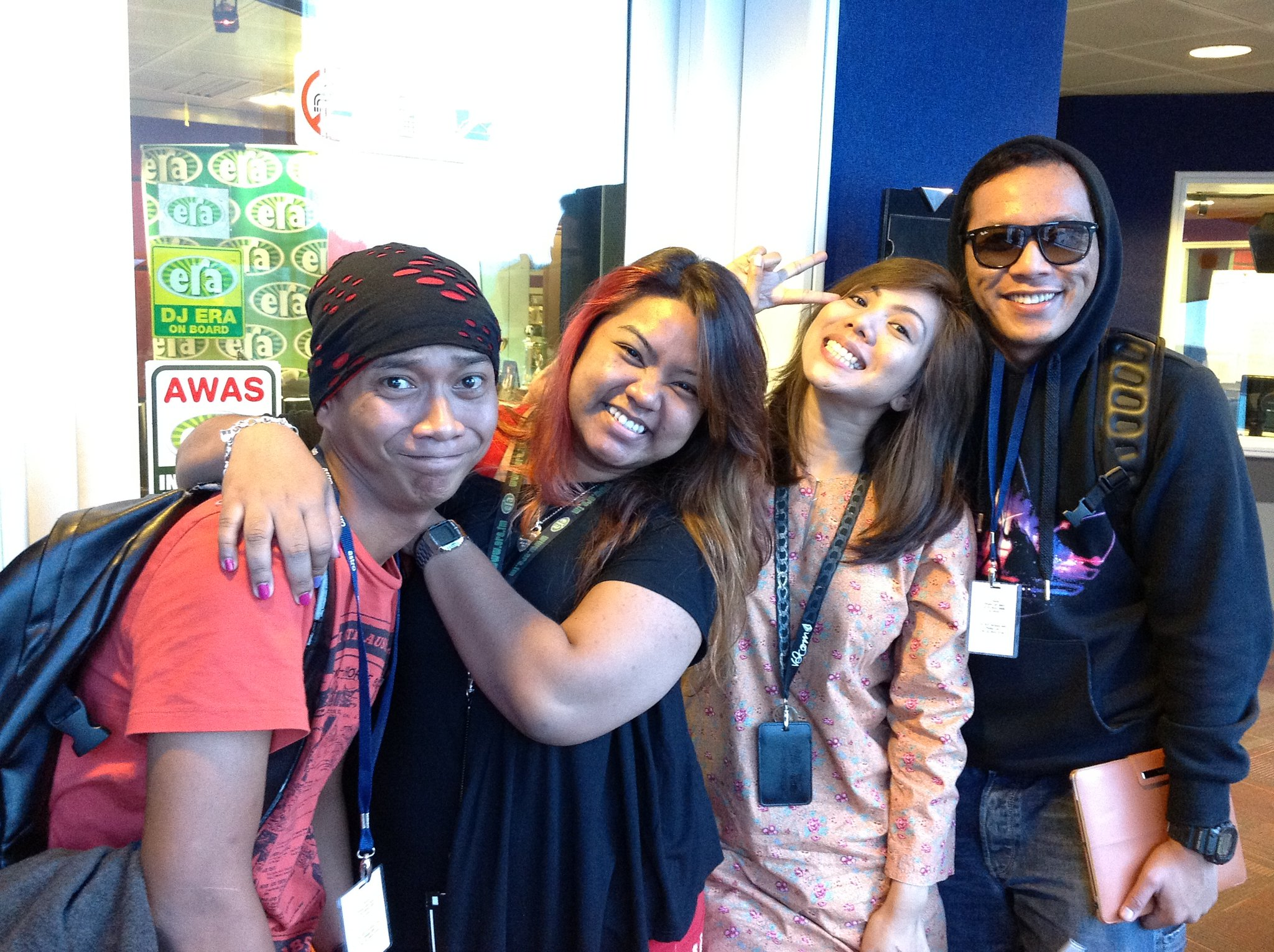 Last day at @era_fm with @shahrol_shiro @IraMohdAmin  @DinaNadzir ..sedey...:( http://t.co/ULIshvX6