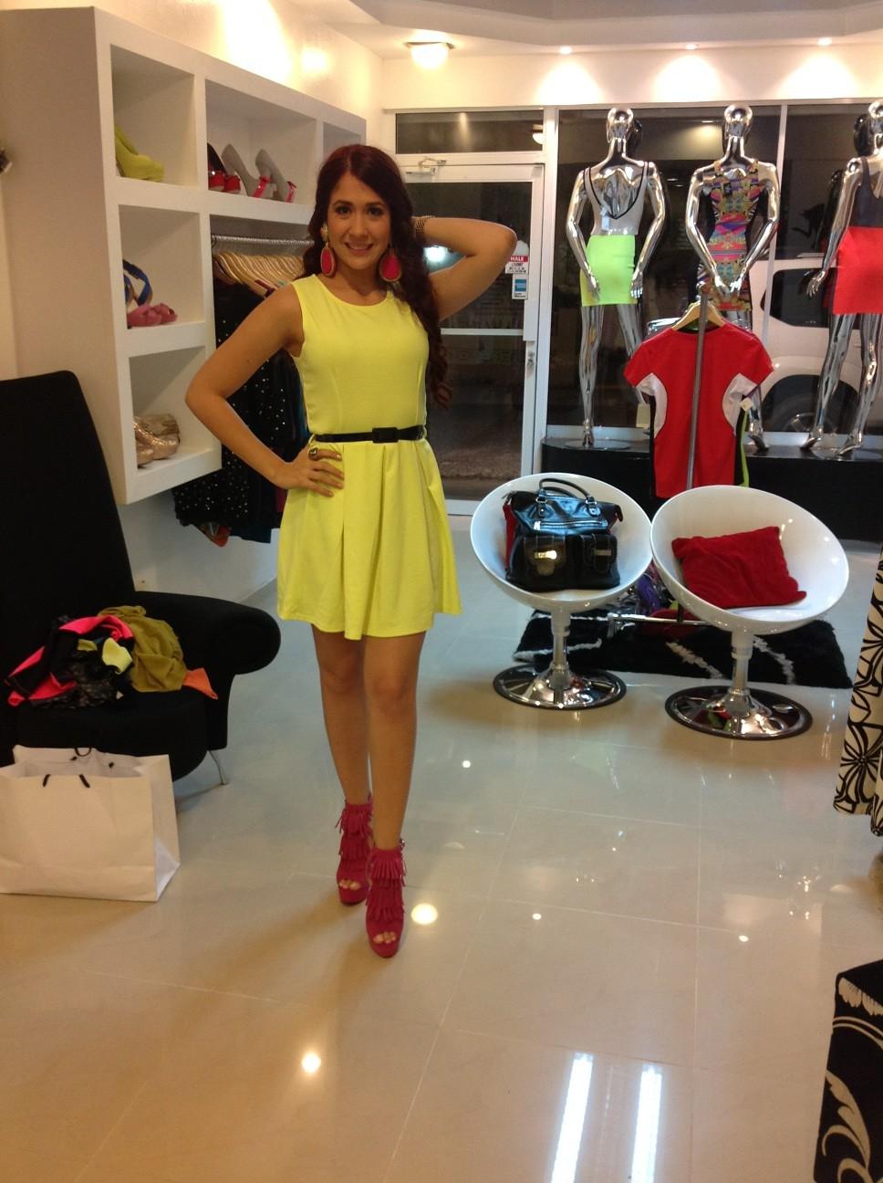 Look de hoy: vestido corte maria victoria disponibles en varios colores aretes hechos a manos bbpin 22EB60E7 http://t.co/b0QdmbAe