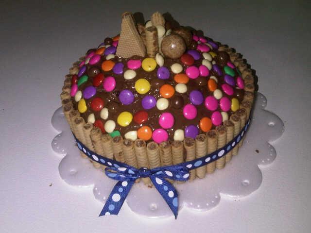 Rica torta de chocolate con nutella, pirulin, dandy etc um ricoooo @Javielarivero @GinxX_K @belkisvalentina http://t.co/RRlf22h0