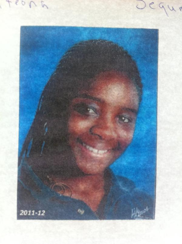 14-year-old, Shawnteona Sequra, missing (pic attached). Please call 8508956582 if you may know where she is. http://t.co/TnAZXV97
