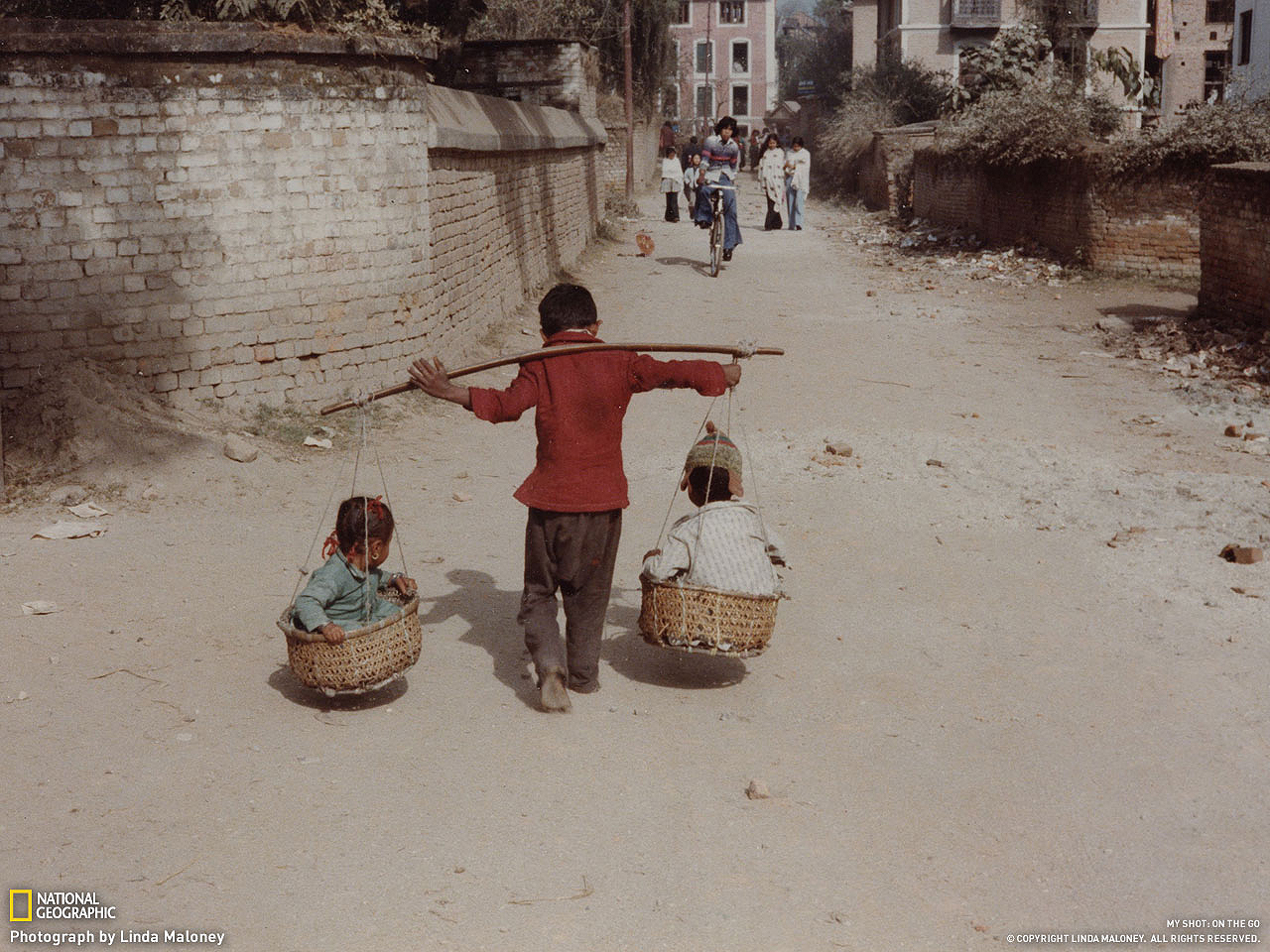 RT @iBytesblog: Este niño de Nepal es ciertamente ingenioso y será muy fuerte algún día, si sigue así... http://t.co/PbEk6XxQ