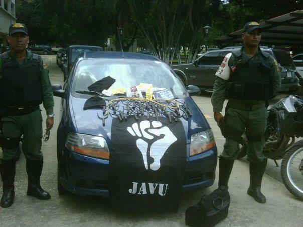 RT @LaIguanaEnTV: Aquí una prueba del sabotaje electrico por miembros de JAVU capturados por GNB. #NoAlSabotajeElectrico http://t.co/s3c ...