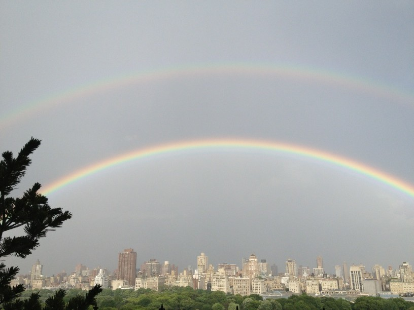 Amazing Double Rainbow in Manhattan ! #sonicerainbowedtwice http://t.co/MRlAUZFL