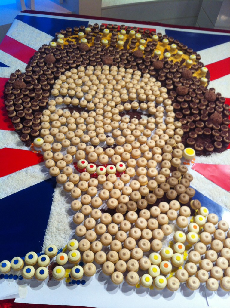 Our sweet tribute to the Queen! #diamondjubilee http://t.co/unVvlTc6