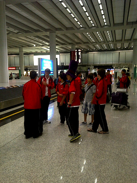 KL under 14s arrived in HK. http://t.co/fPaxOoof