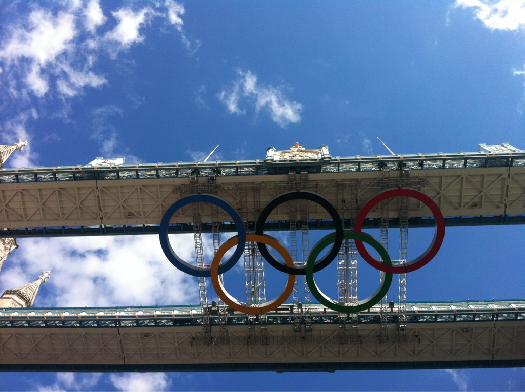 And the #Olympic Ring 'under' Tower Bridge! http://t.co/n4W8jCVv