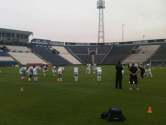 RT @RealESPPORClub: #LibertadoresSub20 | El #RealESPPOR hace la entrada en calor previa al partido con el #América http://t.co/K4LNJexb