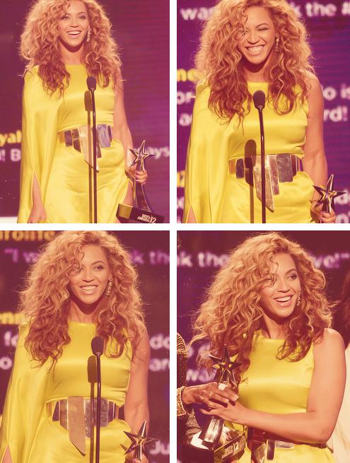RT @BritBeyMinaj: Beyoncé ♥ http://t.co/3HYigKnQ