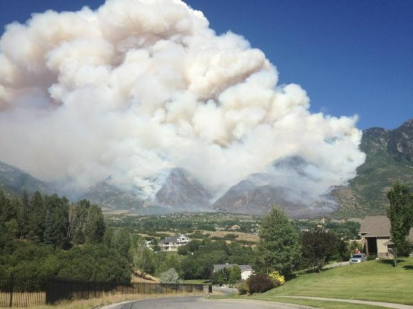 Here is the latest view from my house in Alpine of the #quailfire #alpinefire http://t.co/R6BW6uf9