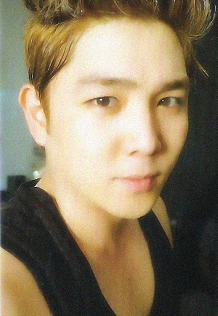 RT @ELF_thoughts: Kangin's card, anyone who gets this could probably try buying a lottery ticket too *prays I'll get it* http://t.co/o13 ...