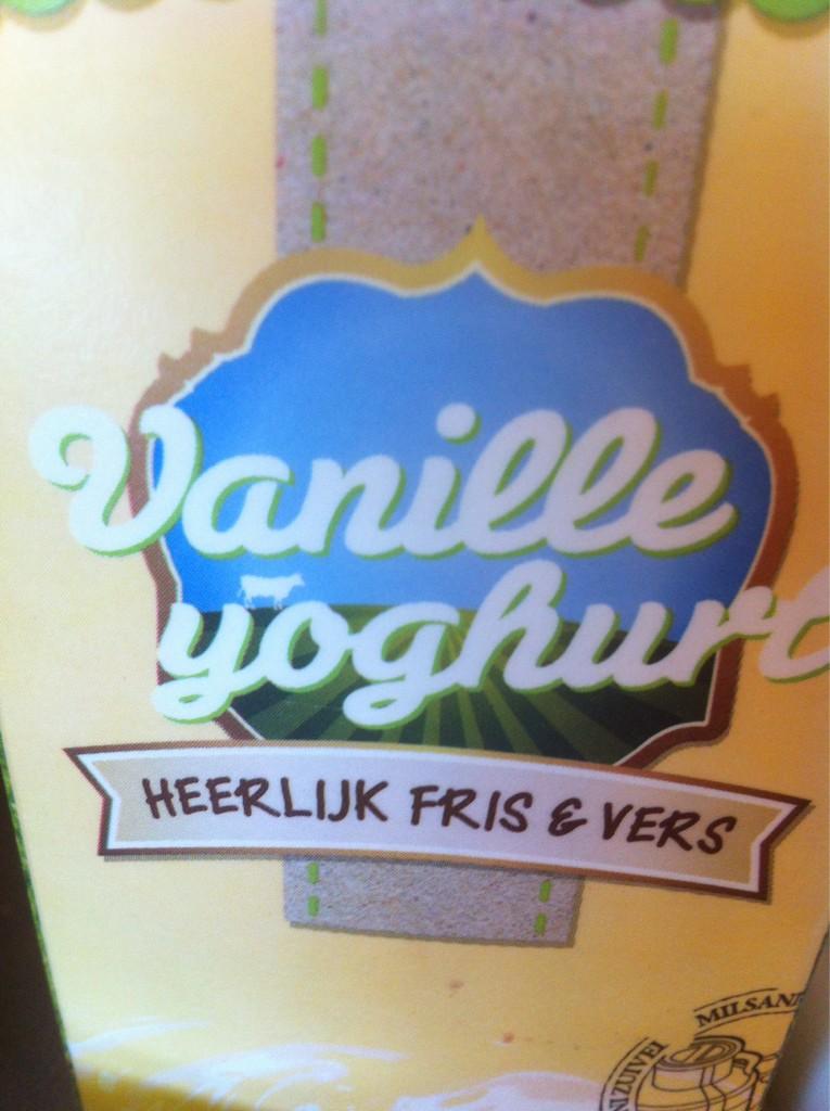 Vanille....dat doet me ergens aan denken �� Jullie ook @MarijkeMeijer @Hellentjuuu @xxxBiancaH �� ?? http://t.co/QAwiU0Mk