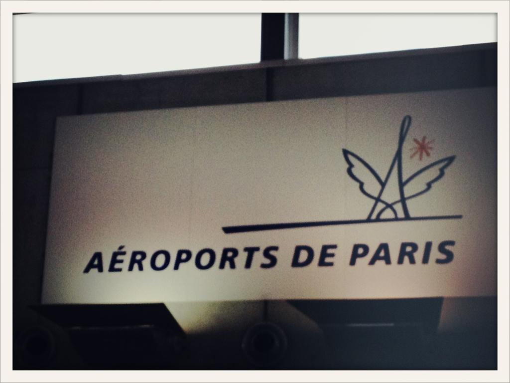 Recién llegados a París!! Esta noche en Festival @Solidays http://t.co/pFIhvnC7