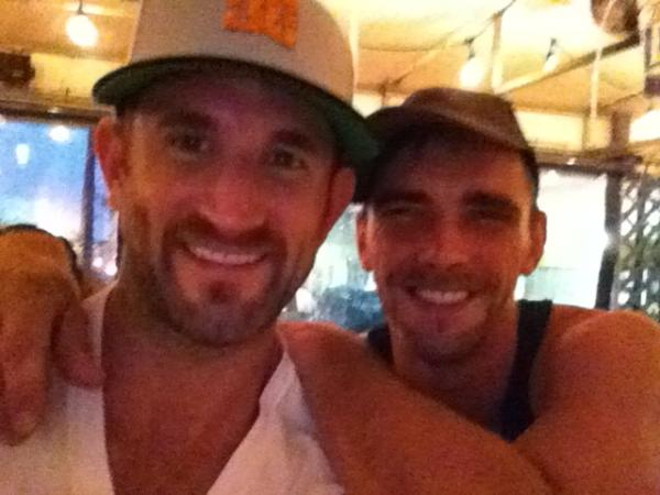 Joe Parker (@joeparkerxxx): Outside bar at Alibis w @CJParkerX http://t.co/zfWiVdpN