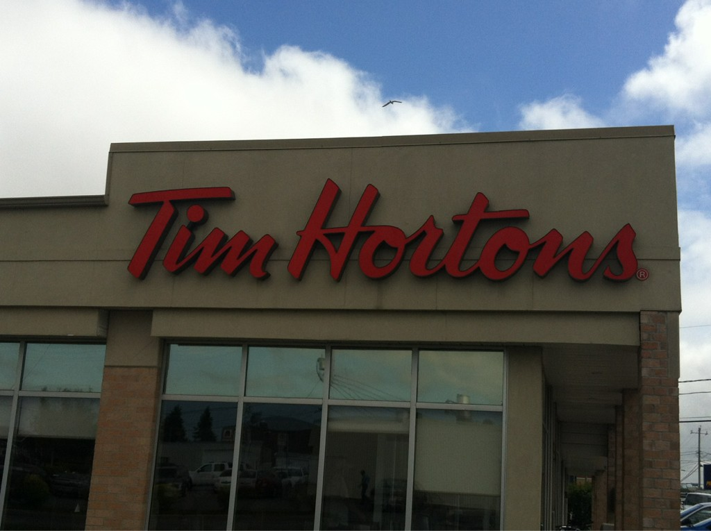 Merci/ThankU @timhorton .... Montmagny.... Service was good & fast!!!  On route to our 1st salmon fishing trip!! http://t.co/FkHxPBoc