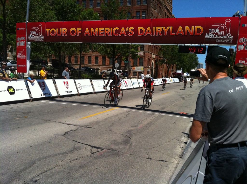 #TofAD Schlitz Cat 4/5 Adventure 212 Miles Beach wins.  xXx Tristan Whitehead second. Nova ISCorp Josey Weik third. http://t.co/8Reea4Ja