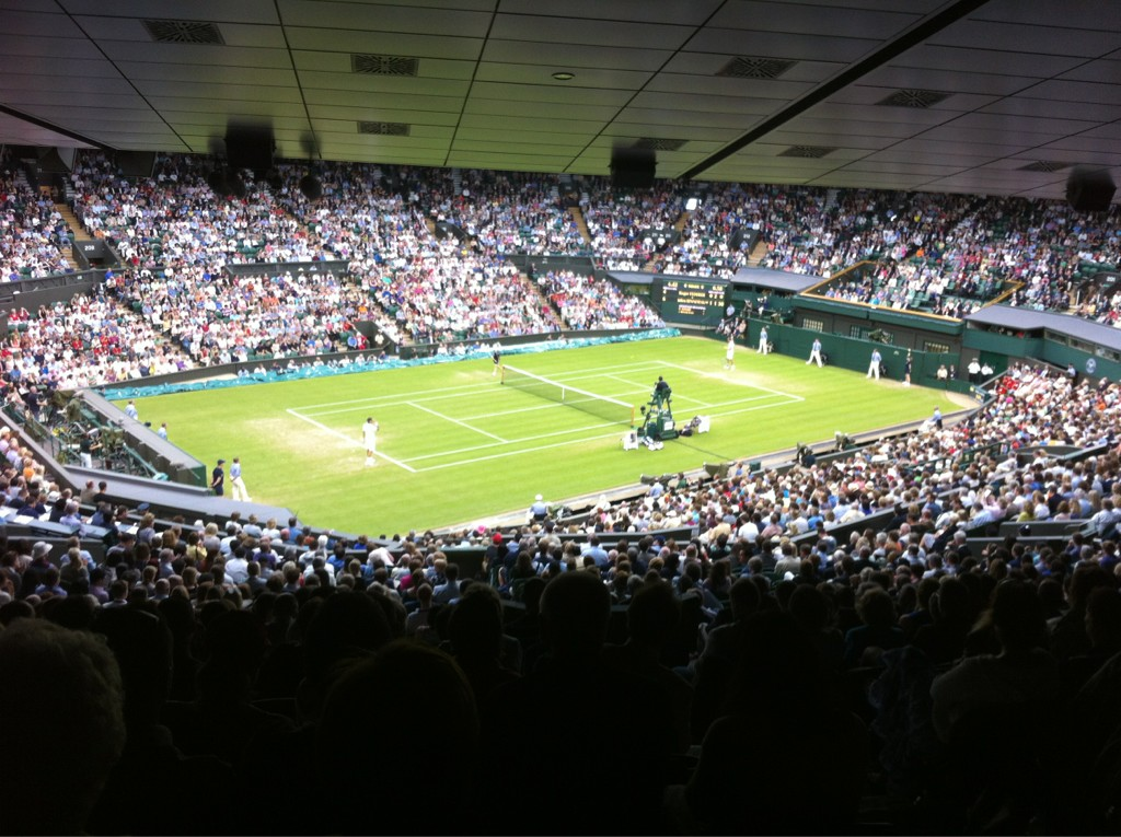 Federer on centre court! #Wimbledon2012 http://t.co/KMhfmX5y