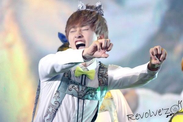 @DUNIA_KPOPERS Lee Hyuk Jae nih min!! Aegyo kan?? :) http://t.co/bVy1ipu0