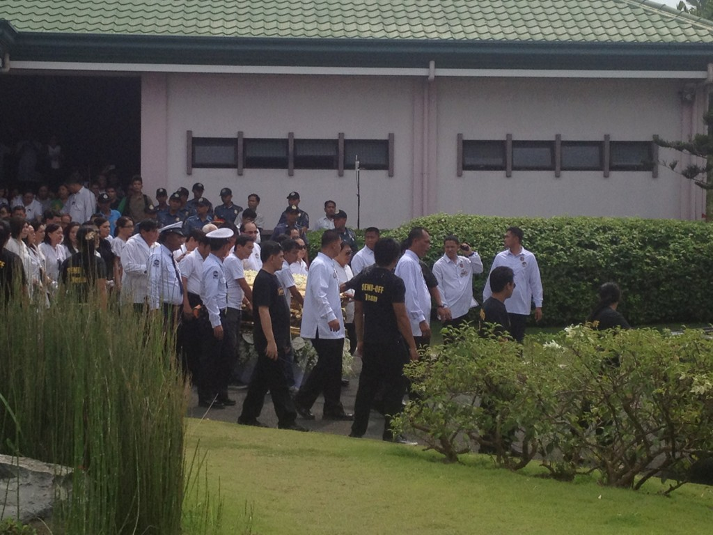 Dolphy procession moving http://t.co/1z4byUfR