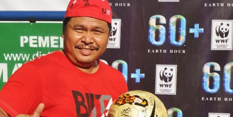 '@Bolanet: Selamat jalan Junaidi (Bang Jun), salah satu legenda sepak bola Indonesia http://t.co/HF3gE9a3'