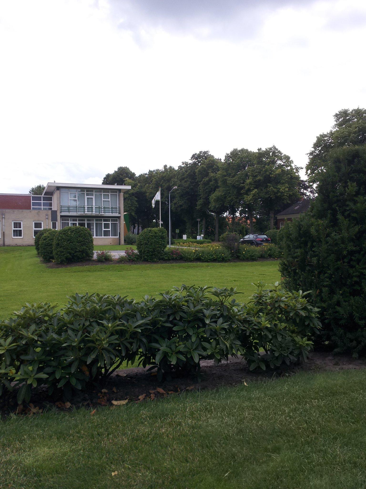 Lagere school is zo uit ga kijken #losers #xD http://t.co/nmBod6HC