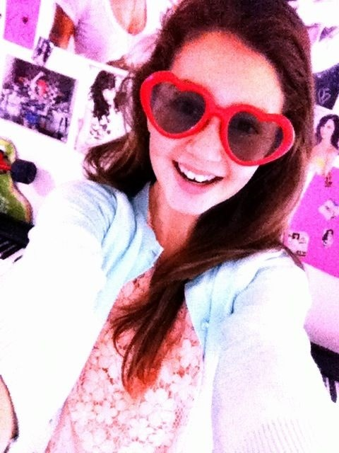 Um can I keep you?! You're so precious. RT @KatysBlueEyes: @katyperry THESE ARE MY #KP3D GLASSES:)♥ http://t.co/MKj7yq3k