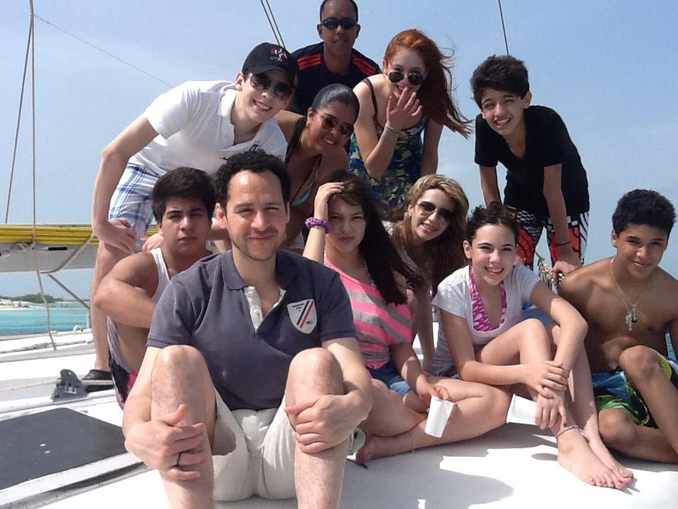 Y después de tanto trabajo.. La CQ se fue a la playa!!  Los Roques, Venezuela. :D http://t.co/Z9QjsPuS