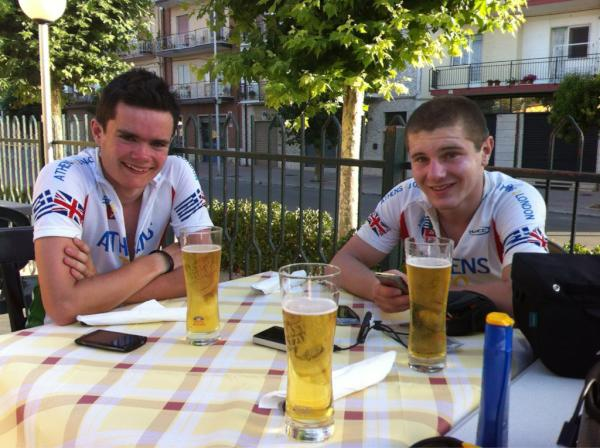 Despite the late start from Bari - 60 miles done and stopped for pizza. This is more like it
