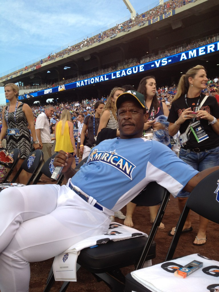 RT if you think Rickey would be amazing at Twitter. #CelebrityGame http://t.co/5xkzqBw9