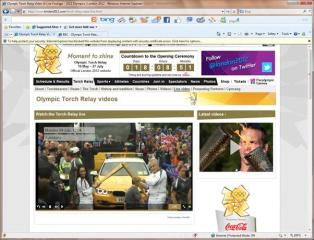 El que sigue!!! NEXT!...Ana de la Reguera entregando la antorcha olimpica al siguiente portador... http://t.co/38MgV9hB