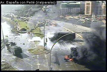 RT @rvfradiopopular: AHORA: Incidentes en Av.España/Caleta Portales. Tránsito suspendido hacia el Puerto #Valparaiso #PescadoresArtesana ...