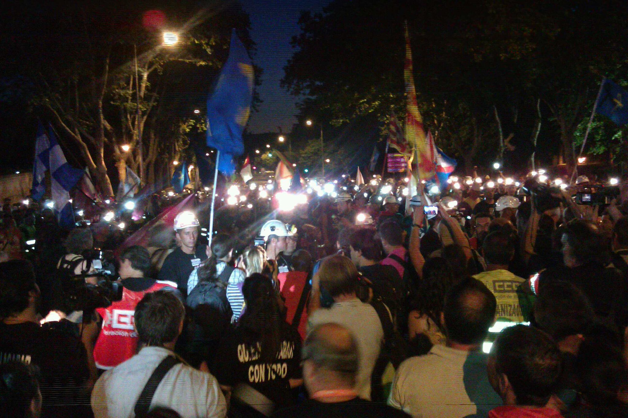 Amazing, moving stuff from #nocheminera in Madrid tonight. & finally some pictures of the miners: http://t.co/S8v9VcNw (via @atlante83)