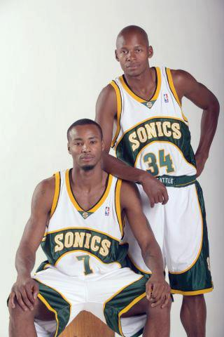 '@ibader90: Rashard Lewis and Ray Allen reunited again @NBAGuru http://t.co/aKCVn7yu' Fuck With Us.