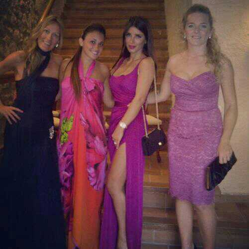 Anto, Dani y la esposa de Milito. @firstLadyD4 atravez d Instagram 'With some beautiful people... beautiful Anto' http://t.co/eWTo6M9D